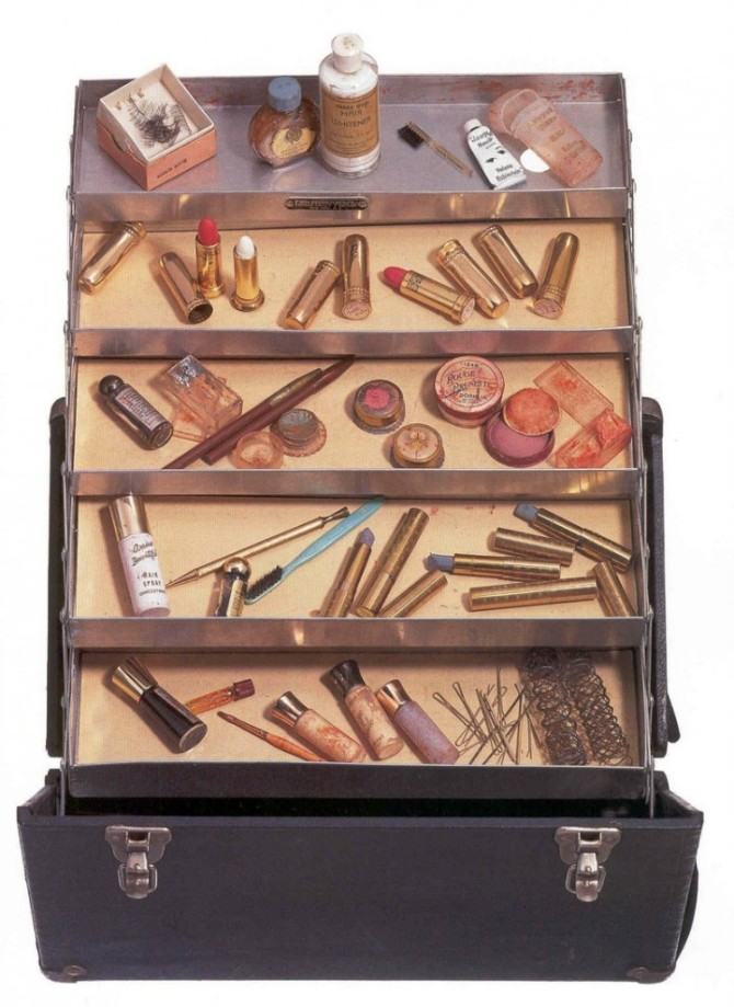 marilyn monroe's make-up case