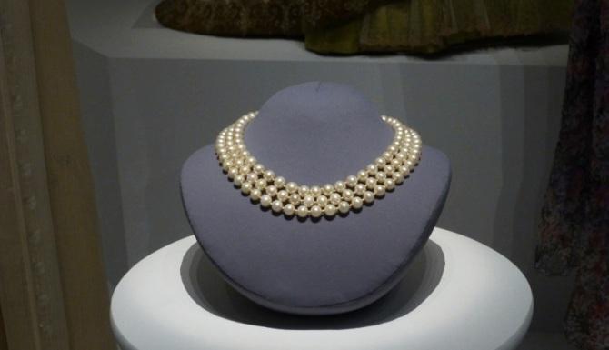 jackie pearls