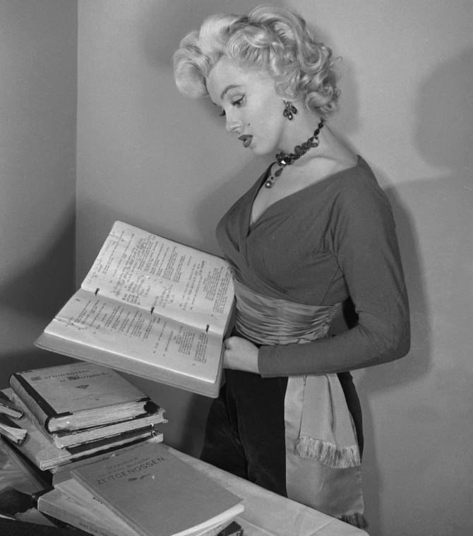 Marilyn-marilyn-monroe-35791490-1411-1600