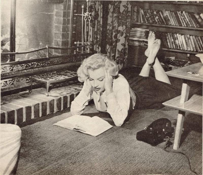 Marilyn Reading a Book Marilyn Monroe Reading 11