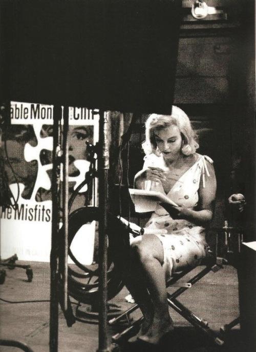 Marilyn Reading a Book Marilyn Monroe Reading Script