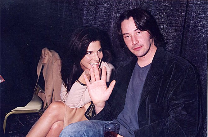 Sandra-Bullock-Keanu-Reeves-were-all-smiles-September-1996