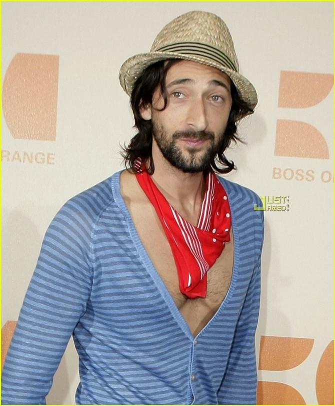 adrien-brody-chest-hair-08