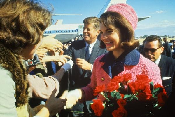 JFK-JackieKennedy-ArrivingDallasTX-22Nov1963-colorphoto