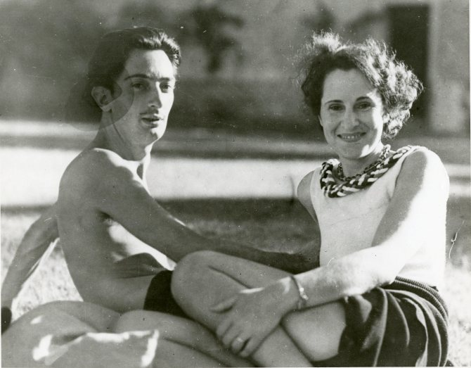 daliph-a0060-gala-and-dali-ca-1930