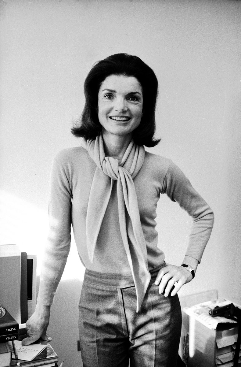 Jackie Kennedy Fashion: Harvard And Jackie Onassis (world's Greatest Listener) In
