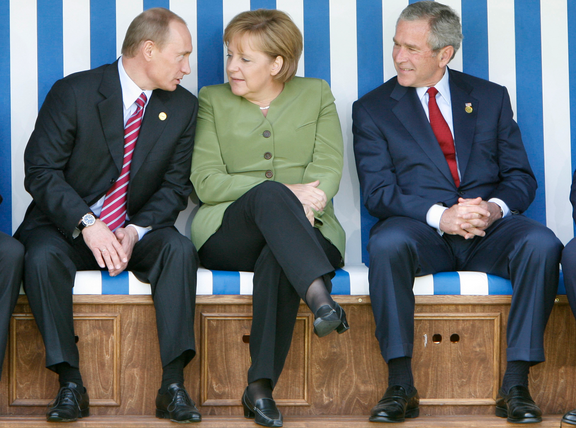 Vladimir Putin+Angela Merkel+George Bush 43+Seated Crotch Display+Nonverbal Communication Expert+Body Language Expert+Speaker+Keynote+Consultant+Las Vegas+Los Angeles+Orlando+NYC