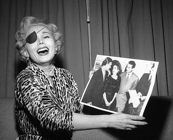 zsazsa-vegas-press-conf-1953